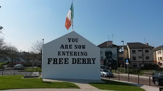 Back Home in Derry is one of the best Irish rebel songs.